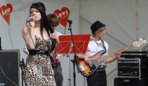 Amy Winehouse tribute performance at Lovewood