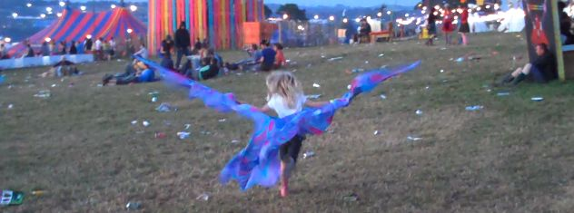 alice-glastonbury-fairy-wings